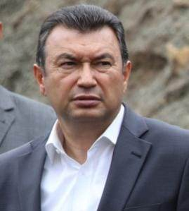 Шиносоии Сарвазири мамлакат  бо рафти сохтмон ва навсозии як қатор иншоот дар шаҳри Душанбе